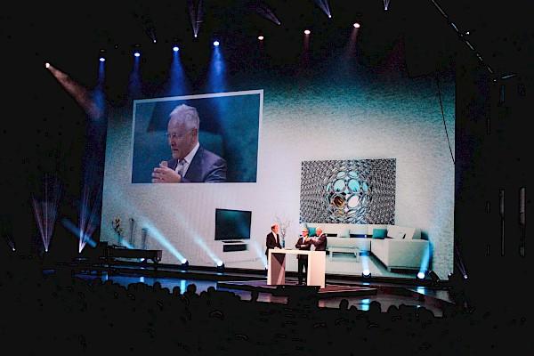 Volksbank Jubiläum im Festspielhaus Baden-Baden - Festakt mit Moderator Markus Brock