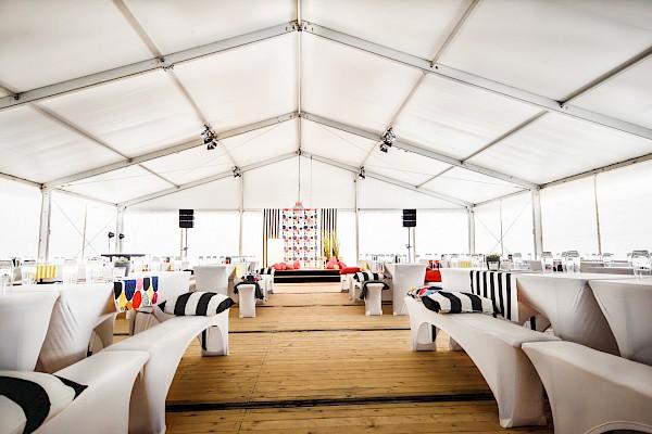 Zeltbau für die Grundsteinlegung in Karlsruhe von PINK Event Service