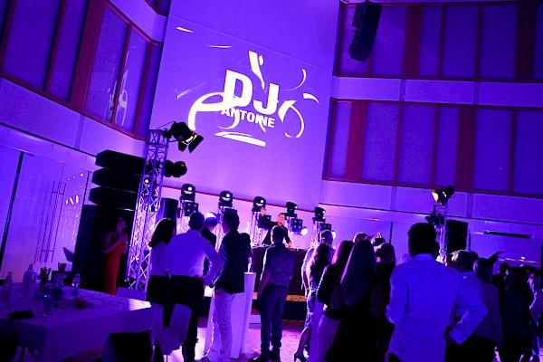 Jubiläumsfeier mit Star-DJ in Karlsruhe mit Eventagentur PINK Event Service im Lichthof der BGV als Eventlocation