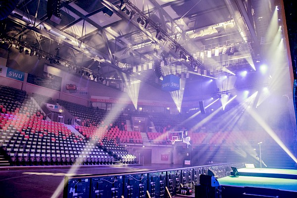 Ulmer Ratiopharm-Arena für die Kick Off Veranstaltung mit Eventtechnik von PINK