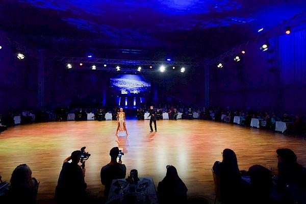 Atmosphärische Beleuchtung und differenziertes Kameralicht für die Wettbewerbe waren entscheidend.