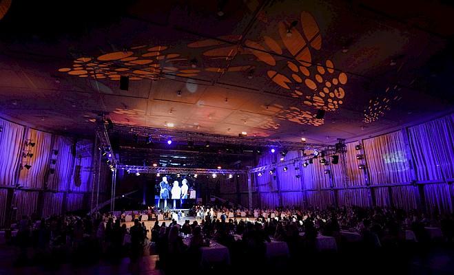 """PINK Event Service als Eventpartner der großen Gala """"Magic Ball"""" in der Schwarzwaldhalle Karlsruhe."""