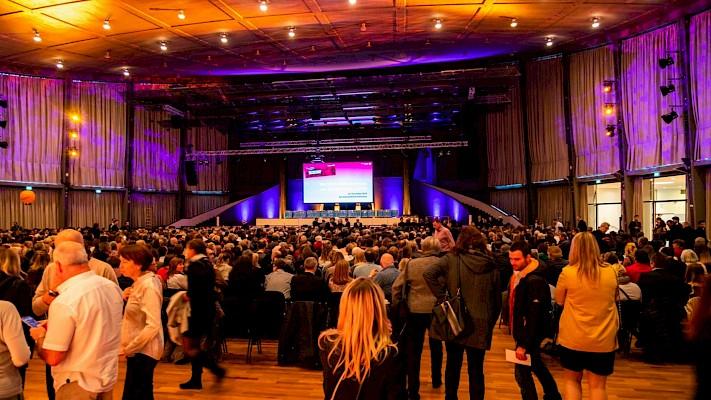Große Ehrungsgala in der Karlsruher Schwarzwaldhalle mit Veranstaltungstechnik von PINK Event Service aus Karlsruhe