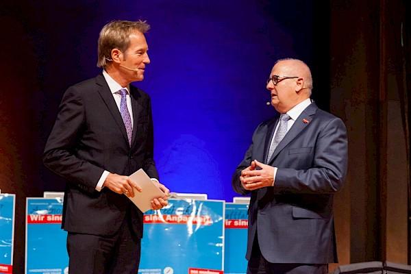Moderator Markus Brock vom SWR und 3SAT führte durch die Gala im Kongresszentrum Karlsruhe.