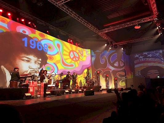 Jimi Hendrix und die 68er bei der Zeitreise durch die Popgeschichte im Gospelhouse in Baden-Baden