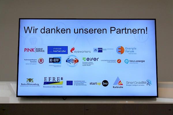Pilotprojekt der Messe Karlsruhe und PINK Event Service zu hybriden Event in der Gartenhalle mit Veranstaltungstechnik und Live-Streaming zum Energiekongress mit fokus.energie