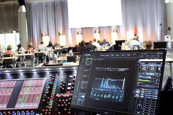 Medientechnik für Livestreaming und Hybridevent zum Energiekongress im Kongresszentrum Karlsruhe von Eventagentur PINK Event Service