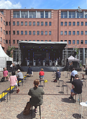 EFFEKTE Festival in Karlsruhe - Hauptbühne auf dem Kronenplatz