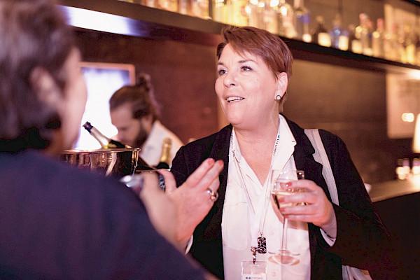 Aftershow-Party bei Wein und Flying Buffet